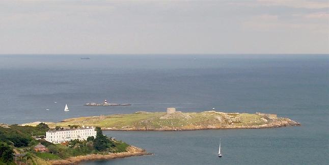 Dalkey_Island_and_Muglins.jpg